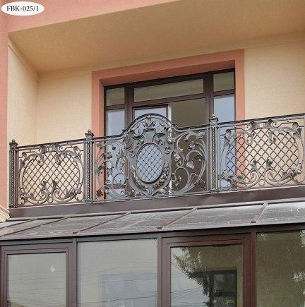 Балконное ограждение с ковкой FBK-025 - фото 2