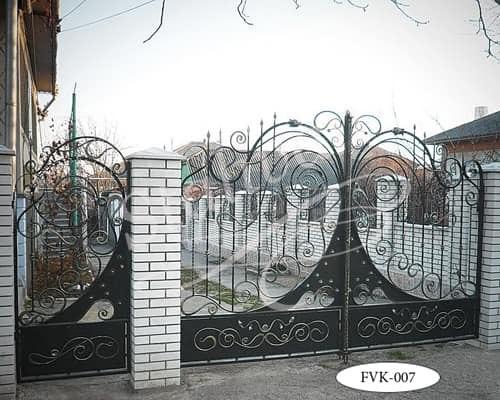 Распашные кованые ворота FVK-007 - фото 1