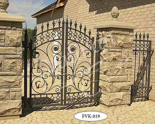 Ворота с элементами ковки FVK-019 - фото 1