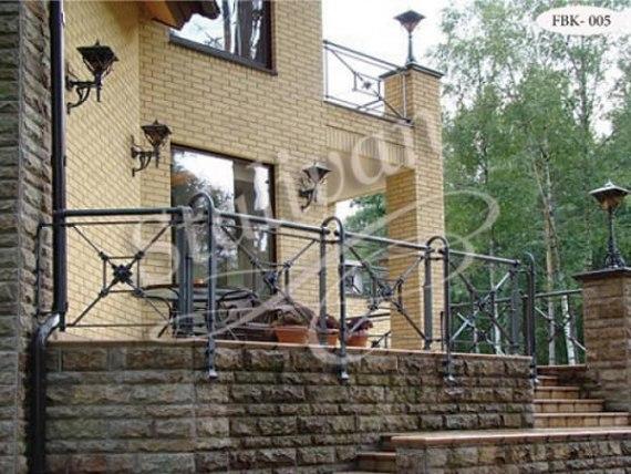 Кованое балконное ограждение FBK-005 - фото 1