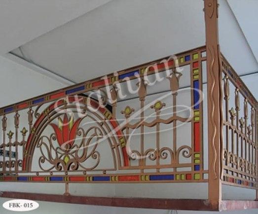 Кованое ограждение на балкон FBK-015 - фото 1