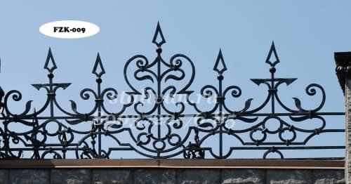 Забор с коваными элементами FZK-009 - фото 1