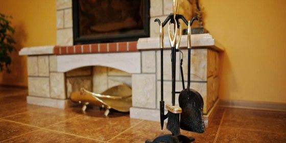 Кованые аксессуары для каминов